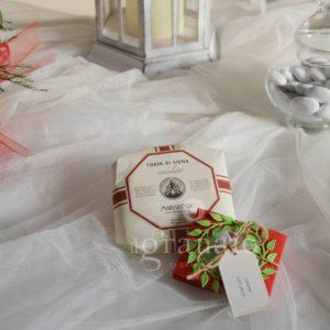 Torta di Siena al cioccolato con scatolina di confetti