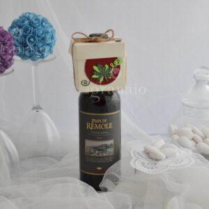 Vino rosso con scatolina di confetti