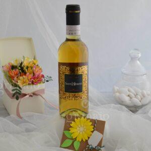 vino liquoroso e scatolina di confetti